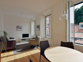 Santa Catarina Sol II apartment in Bairro Alto with WiFi & balcony.