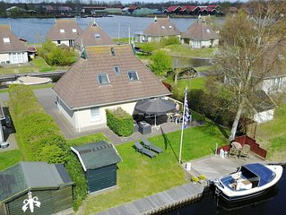 Luxury detached holiday home, located in Earnewald in the heart of the lake area