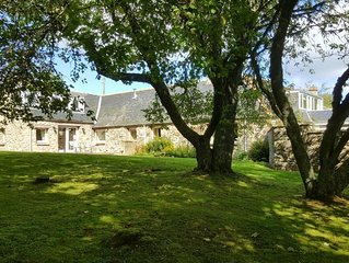 Modern well-equipped apartment in the country location of Inverarnie in Farr