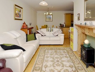 Apartment 263 - Clifden - sleeps 5 guests  in 3 bedrooms