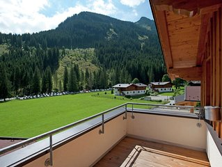 Cozy Chalet in Saalbach-Hinterglemm with Terrace