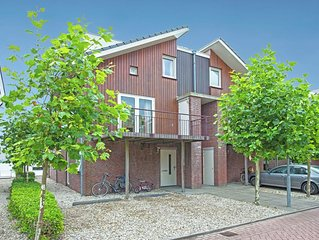 Tidy apartment with dishwasher, close to Amsterdam