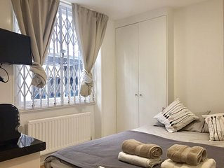Ifield 1 apartment in Kensington & Chelsea with WiFi.