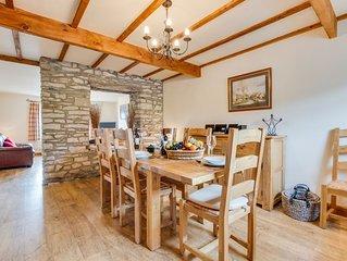 Myrtle Cottage - Three Bedroom House, Sleeps 6