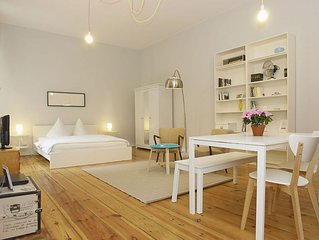 Greifen Natur apartment in Prenzlauer Berg with WiFi.