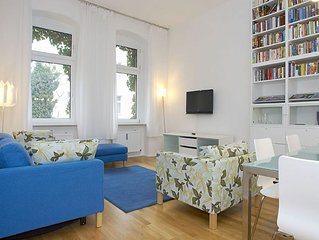Kantstrasse apartment in Charlottenburg with WiFi.