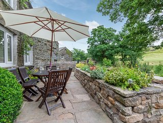 Foss Garth Cottage - Three Bedroom House, Sleeps 5