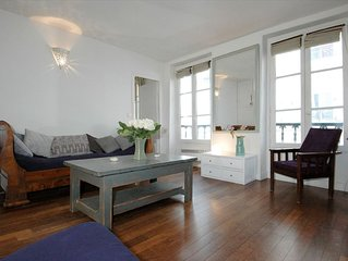 Veron apartment in 18eme - Montmartre with WiFi.