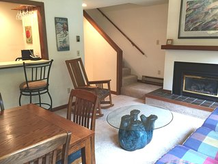 Snowater Condo #20 This nicely decorated Condo Sleeps 6 Now with Wifi