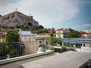 Plaka's Villa with Breathtaking Acropolis