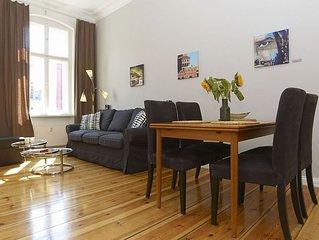 Duncker apartment in Prenzlauer Berg with lift.