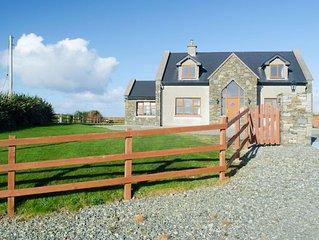 Cottage 238 - Cleggan - sleeps 8 guests  in 4 bedrooms
