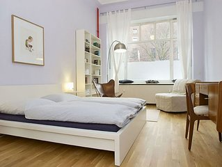 Sonnen apartment in Prenzlauer Berg with WiFi, private terrace & lift.