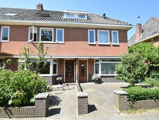 Cosy house with large garden in Castricum, close to the sea and beach.