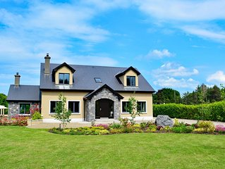 Cottage 227 - Oughterard - sleeps 8 guests  in 4 bedrooms
