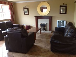 Abbey Court Lodges, Nenagh, Co.Tipperary - 5 Bed Lodge - Sleeps 10