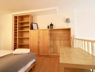 Charming Split Level Studio Hyde Park 'P'