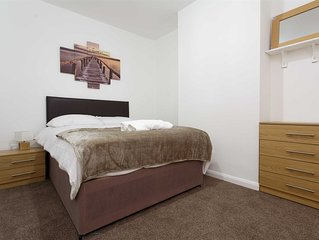 Apartment - 1 Mile from Leeds Central