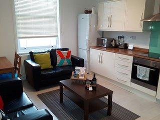 2 Sutherland Street Apartment