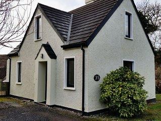 Cottage 245 -Clifden - sleeps 5 guests  in 3 bedrooms