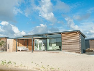 Beautiful lodge with two bathrooms, near the beach