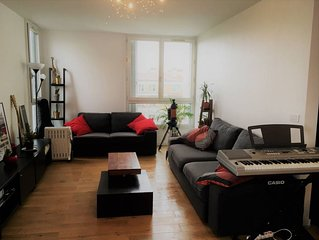2 Bedroom Flat Near Pere Lachaise