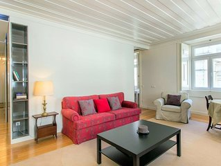 Garrett apartment in Baixa/Chiado with WiFi & lift.
