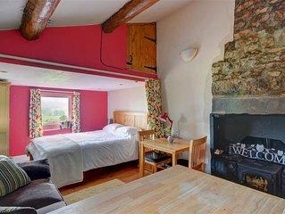 Bloomers Bothy - One Bedroom House, Sleeps 2