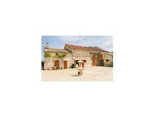 2 Zimmer Unterkunft in Chaunay