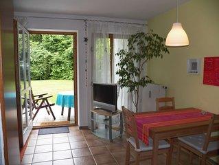 Sonnige Ferienwohnung mit Terrasse für 2 Personen