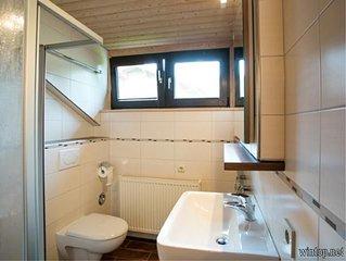 80qm-grosse Ferienwohnung mit 3 Schlafzimmern und Balkon