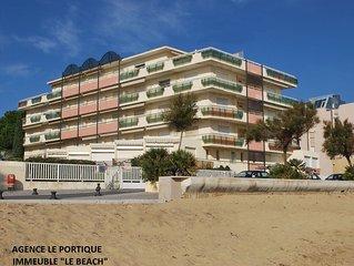 Location appartement,  pieds dans l'eau  a 10m  de la plage de sable fin. Proche