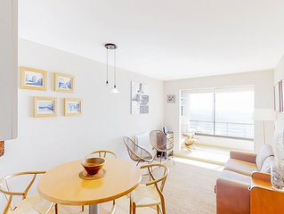Quiet, welcoming, oceanfront apartment w/ shared gym & sauna