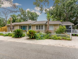 Renovated East Beach Gem with beautiful Marsh Views on St. Simons Island!