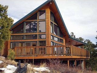 Eagleview Inviting Cabin with Picturesque Views