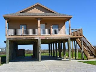 High View Lodge - 2 Bedroom, 2 Bath, Sleeps 11 - Beach Front!