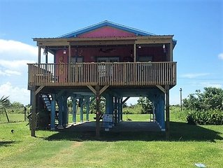 The Fishing Hut is Cute, cozy & affordable. Beachside sleeps 5