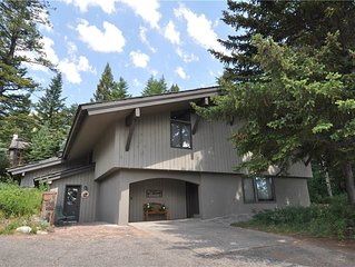 RMR:Large 5 Bedroom Lodge in Teton Village! Close to Ntnl Parks, Free Activities