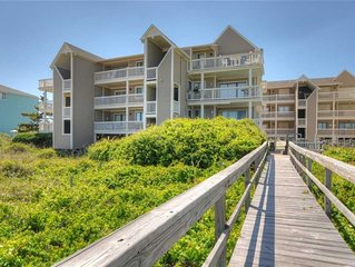 Salty Hammocks A4: 2 BR / 2 BA condo in Carolina Beach, Sleeps 6