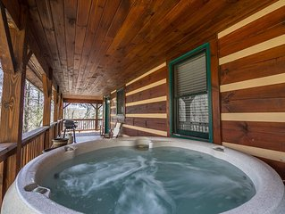 Uncle John's Cabin in peaceful Valle Crucis - Hot Tub - Pool Table - Ping Pong