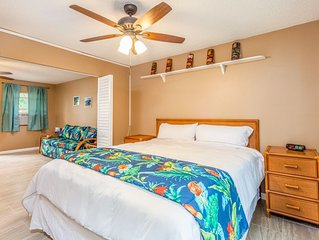 Kona Shores#130 Beautifully Remodeled Ground Floor Condo w/AC!