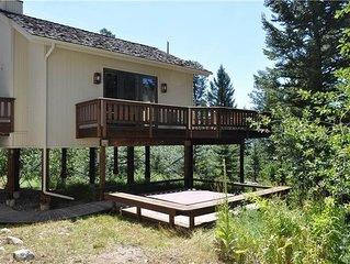 RMR:Large Home with private Hot Tub! Close to National Parks. Free Activities!