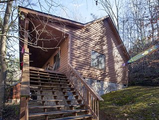ER38r Grandpa's Getaway - Great location- Close to town