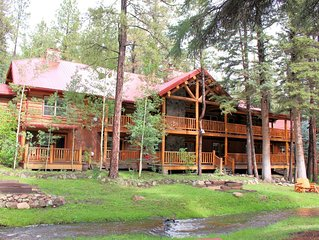 RS Lodge - 9 Bedrooms managed by Cabin Butler