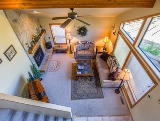 3 Bedrooms, Sleeps 10, Hot Tub, 5 TVs, Gas Stove, Gas BBQ, Bonus Room- YELP39