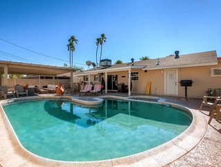 HEATED POOL+FIRE PIT! WALK TO OLD TOWN! SLEEPS 16!