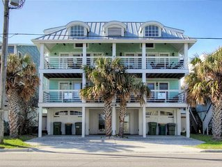 Aloha From Kure N&S: 12 BR / 8 BA duplex - both sides in Kure Beach, Sleeps 28