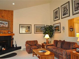 RMR: Roomy 3 Bedroom Townhouse in the Aspens! Free Activities Included!