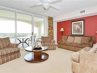 Yacht Club Villas 1-902, 2  Bedroom Waterfront Condo, Hot Tub and Free Wi-Fi!