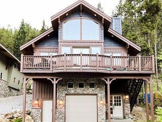 Panorama Greywolf Luxury Home: 4 bedrooms | Private Hot Tub (extra fee)